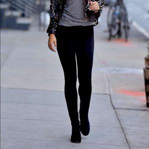 """The """"Denim Legging"""" in Black 🎶"""